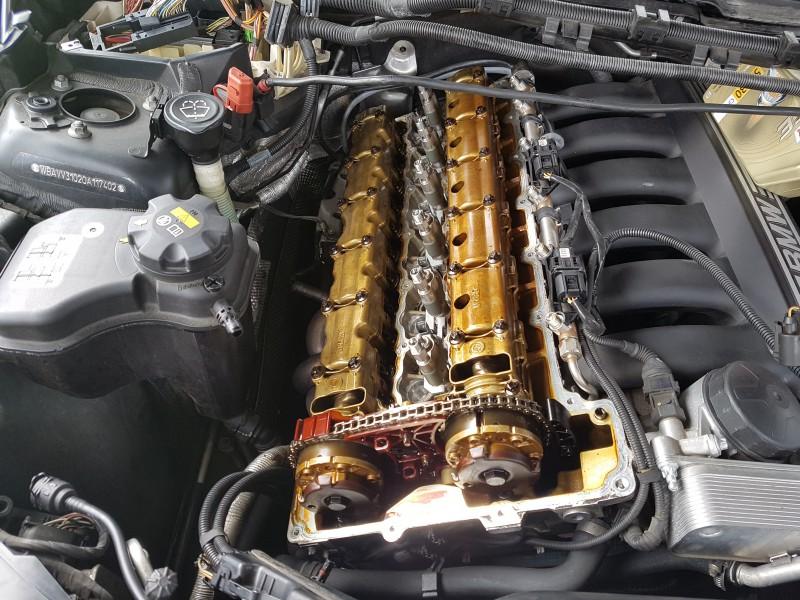 tuto changement du joint de couvre culasse cache culbuteur moteur n53 bmw